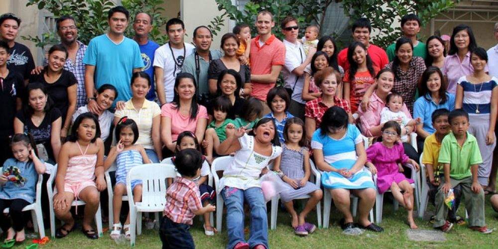 LIVING WITH A FILIPINA – FAMILY