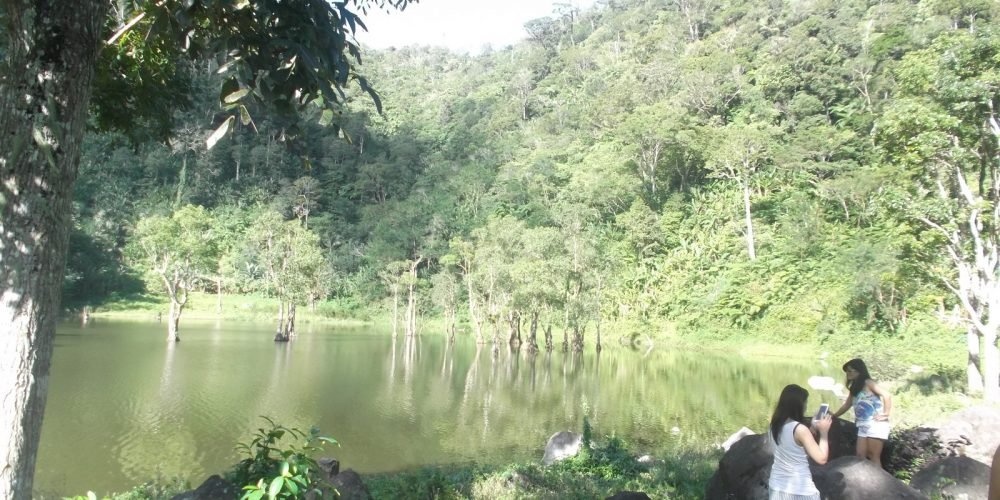 TWIN LAKES OF DUMAGUETE